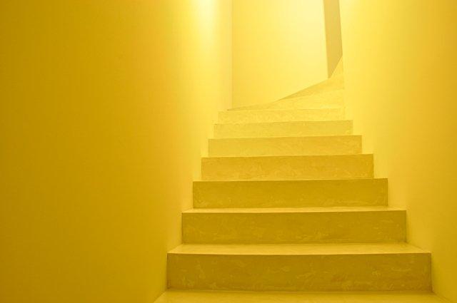 лестница из микроцемента